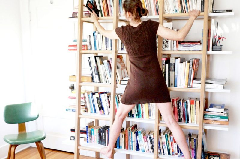 Könyvespolc 180 cm alattiaknak (és kettlebellnek)